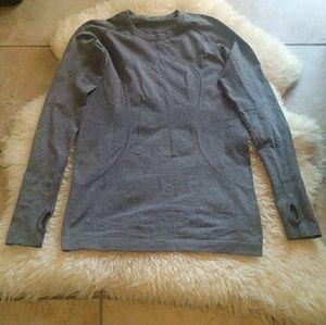 Lululemon Women's swiftly long sleeve size 6